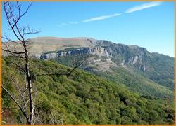 Красивый вид гор в крыму, панорама гор.