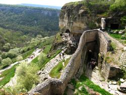 Город-крепость Чуфут-Кале в Крымских горах