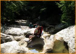 Чистые ванны в Большом Крымском каньоне.