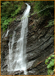 Водопад Гук поражает красотой и изяществом.