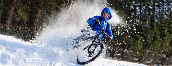 katanie-na-velosipede-zimoy