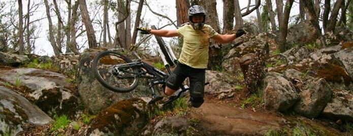 velosipedist-padaet