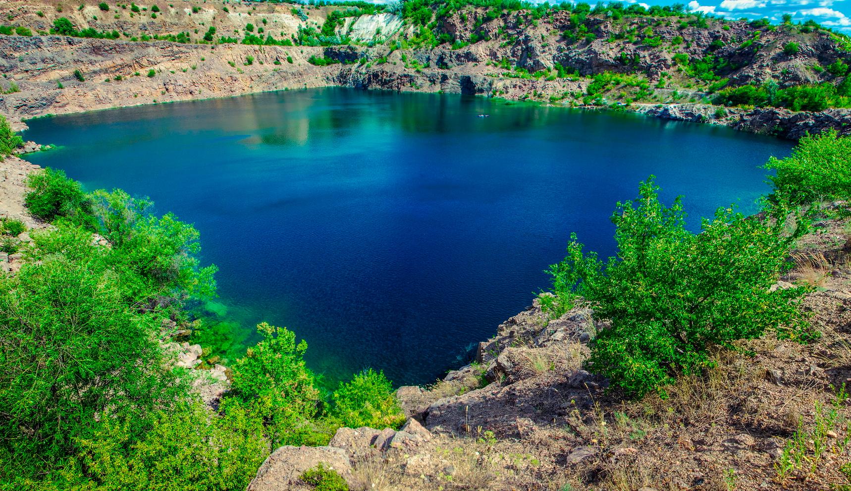 Радоновое озеро карьер