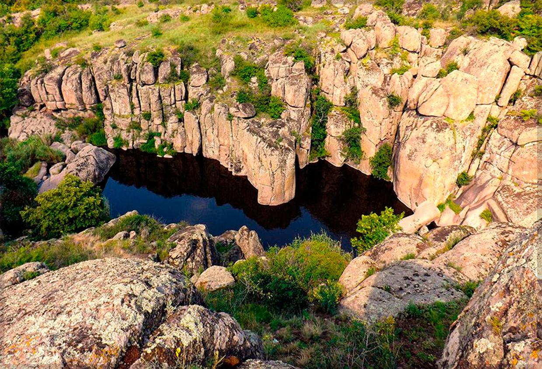 Вид на Актовский каньон