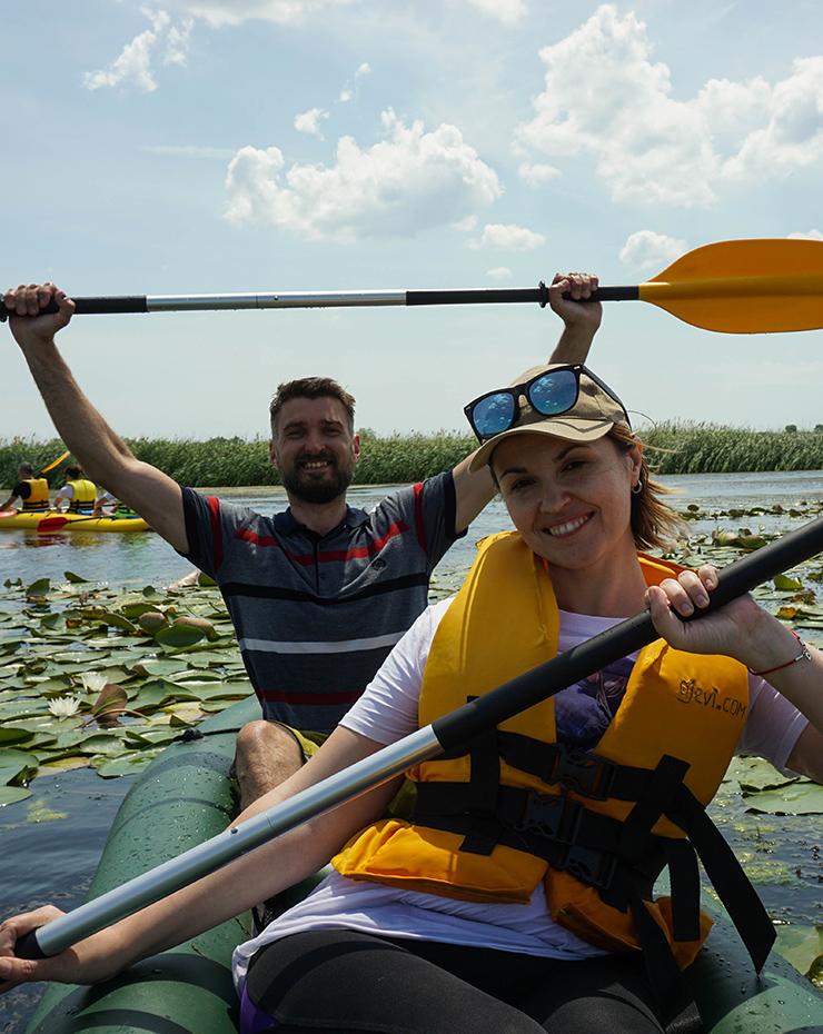 Сплав на байдарке по озеру Белому с лилиями